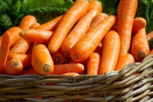 carrot natural tooth whiten
